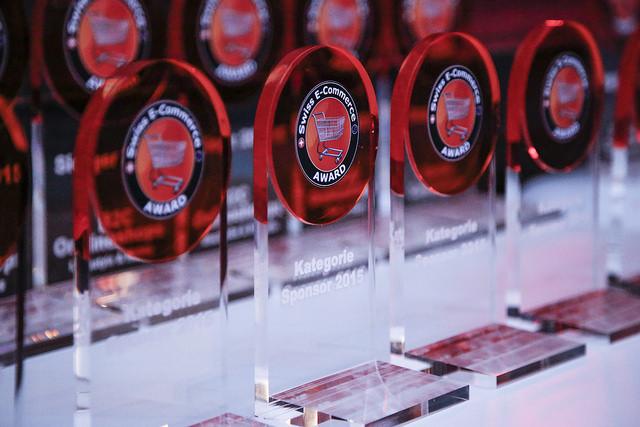 Swiss E-Commerce Award 2016 - die Trophäen warten auf die Sieger