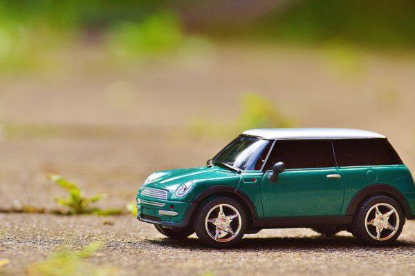 Wie sich Autoversicherungen im E-Commerce schlagen