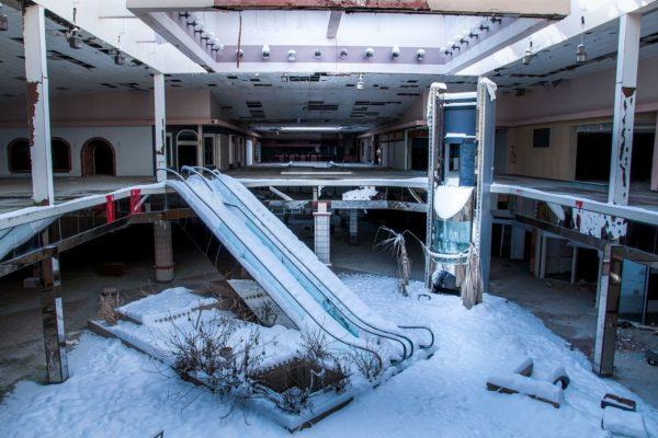 Winter in der Dead Mall in Akron, Ohio - Foto: sephlawless.com