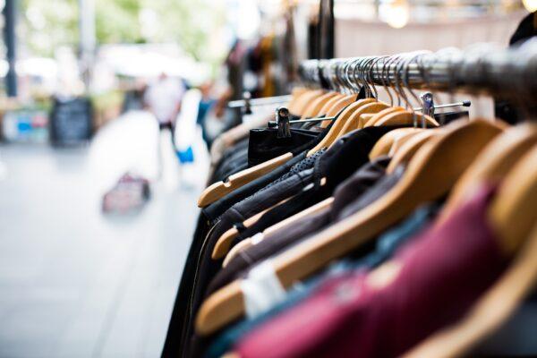 Phygitale Einkaufserlebnisse und Digital Mums – Interview mit Vanessa Delplace