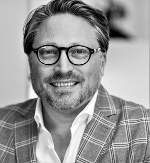 Stefan Wenzel ist selbständiger Berater, Speaker und Investor